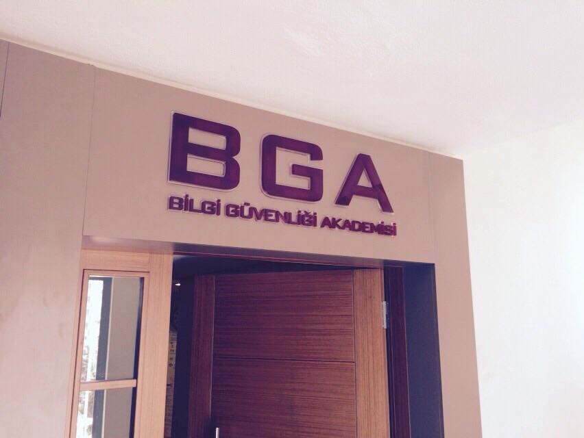 BGA iç mekan kapı üstü tabela